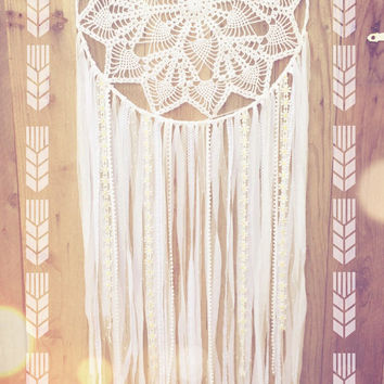 Big White Shabby Chic Boho Daisy Crochet Doily Lace Dreamcatcher