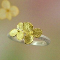 Hydrangea Blossom Flower Ring 18k Gold 