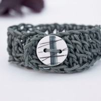 Bracelet-Bracelet hand-woven cotton gray with ceramic button