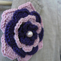Crochet flower brooch in pink rose and blue