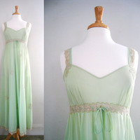 Vintage 1950s Bergdorf Goodman Nightgown - Size Medium