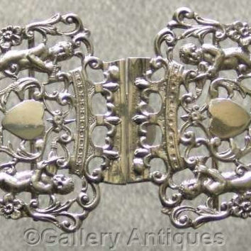 Large Victorian Solid 925 Sterling Silver Nurses Belt Buckle by William Comyns and Hallmarked for London, 1892 (ref: 2048)