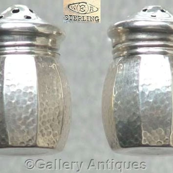 Art Deco 925 Sterling Silver Hammered Individual Salt and Pepper Pots by William R. Elfers Co. c1930's (ref: 3118)