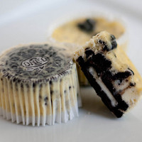 Cookies &amp; Cream Cheesecake Cupcakes | Handle the Heat