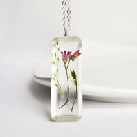 Pressed Flower Necklace. Botanical Flower Jewelry. Real Flower Resin Jewelry. Coral Belle Flower
