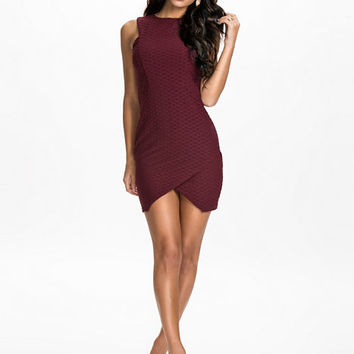 Dress With Curve Hem - Oneness - Burgundy - Party Dresses - Clothing - Women - Nelly.com