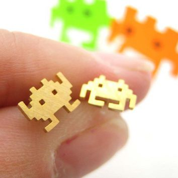 Atari Space Invaders Alien Pixel Arcade Game Stud earrings in Gold