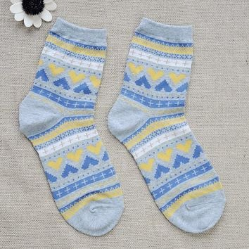 FunShop Woman's Hearts and Stripes Pattern Cotton Ankel Socks in 2 Colors