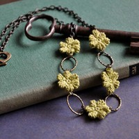 Olive Green Flower Necklace on Luulla