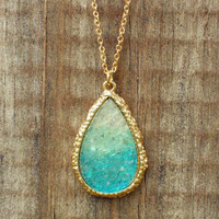 Ombre Dream Catcher Druzy Necklace [3153] - $21.00 : Vintage Inspired Clothing &amp; Affordable Summer Dresses, deloom | Modern. Vintage. Crafted.