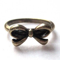 Simple Bow Tie Ribbon Ring in Bronze