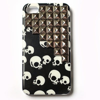 Skulls Studded cellphone cover, Hard case, iPhone Cover, trendy, iPhone 4s, iPhone 4,