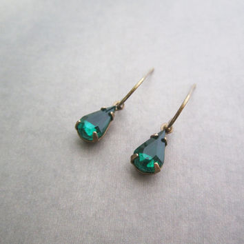 Emerald Green Earrings - Small Pear Rhinestore - Vintage Style Jewelry