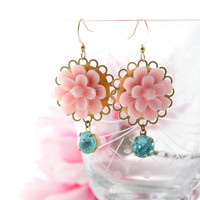 Pale pink chandelier earrings. Pastel earrings. Flower chandelier earrings. Spring flower earrings. Pink and aquamarine. Bohemian earrings.