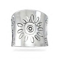 Polished Silver Tapered Band Flower Design Ring