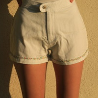 Vintage High Waisted White Denim Shorts W/ Flower Details  (Small/Indie Brands)