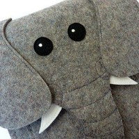 Elephant Kindle fire - Kindle 3 - Kindle keyboard sleeve - Gray felt - MADE TO ORDER