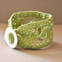 Lace Cuff With Vintage Buckle In Li.. on Luulla