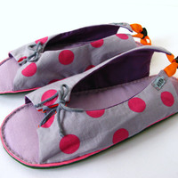 Handmade Puffy Sandals Lace up Women Shoes Slippers in Lavender Pink Polka Dotted Cotton, Adjustable Vegan Flats
