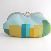 Sunglass/ Eyeglass Case- stripes on light blue
