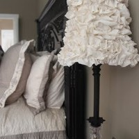 Crafts to Attempt / crafty texas girls: Crafty How-To: Ruffled Lamp Shade