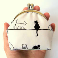 Coin purse wallet Neutral Red Black cat White cat Frame purse Kawaii Japanese fabric Change purse Kiss lock Clasp Frame purse