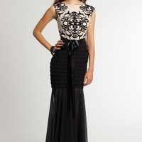 Two-Tone Pleat Lace Dress with V-Back