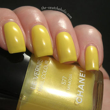 Chanel Fleurs d?Ete Summer 2011 557 Morning Rose 577 Mimosa nail polish swatches | The Swatchaholic . a blog about nail polish and makeup