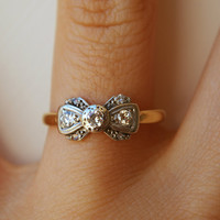 1920&#x27;s Platinum, Diamond &amp; 18k Gold Ribbon Bow Ring Size US 6