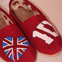 Red One Direction TOMS