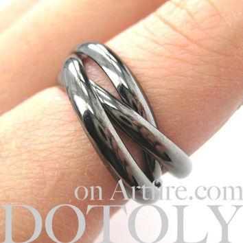 Classic Three Connected Rings Linked into One in Gunmetal Silver | Sizes 6 to 8 Available -