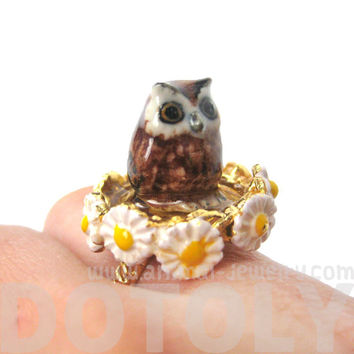 Baby Barn Owl Shaped Ceramic Porcelain Animal Ring with Daisy Textured Border | Limited Edition -