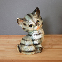 Vintage Ceramic Cat / Figurine Statue / Grey Striped