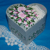 Roses & Lace Heart Box, Decorative Wood Box- Roses, Pink Roses, Bridesmaid Box, Jewelry Box, Keepsake Box, Bridesmaid Gift, Personalized