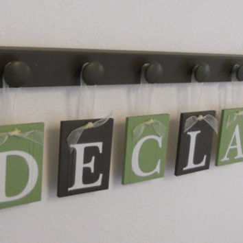 Custom Baby Name Sign, Customized Nursery Wall Art, 6 NamePlates Painted Brown and Green, Custom Sign DECLAN with Wooden Hooks in Brown