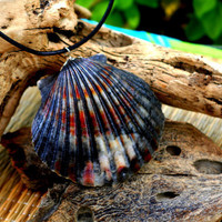 Marbled Scallop Necklace