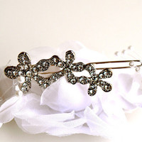 Rhinestone Flower Pin