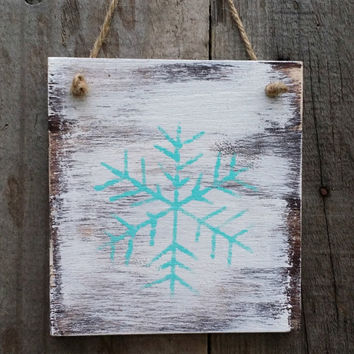 Distressed Rustic Wooden Snowflake Signs, Winter Decor, Grungy Primitive Wooden Signs, Snowflake Door Hanger, Western Decor, Set of 4