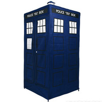 Retro To Go: Doctor Who Tardis wardrobe