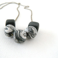 Black and White Marbled Beaded Necklace