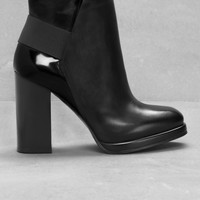 & Other Stories   Leather Ankle Boots   Black