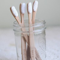 be my guest sustainable toothbrush set at ShopRuche.com