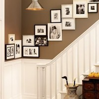 http://i1136.photobucket.com/albums/n496/haleyk7111/2love/homes/staircases/f80deaa45103.jpg?t=1311397833