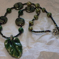 Kazuri green leaf necklace