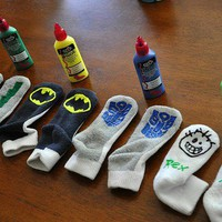 Little Ones / Puffy paints to make skid-proof socks! I want some for me!