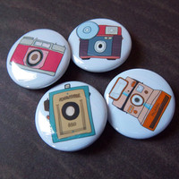 Retro Camera 4 Pack - 1 1/4 Inch Bu.. on Luulla