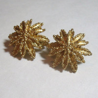 Vintage Clip On Earrings Avon Gold Tone flower poinsettia star burst costume jewelry