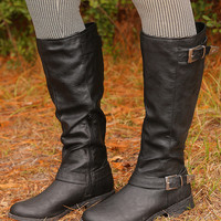 She's An Outlaw Boots: Black