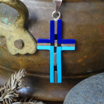 Vintage Taxco Mexico Silver and TURQUOISE CROSS PENDANT inlaid with Lapis and Onyx and gorgeous Figaro-style sterling silver necklace; 1960s