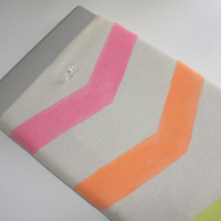 15 Inch MacBook Pro / Air Sleeve - Linen with Neon Chevron Print - Double Padded